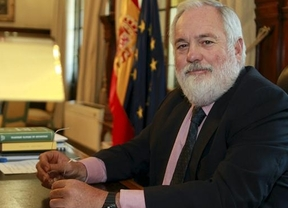 Cañete presenta una reforma estructural para fusionar cooperativas agrarias