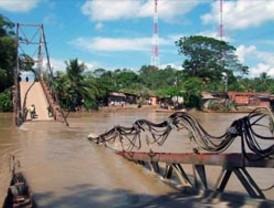Las FARC dinamitan dos puentes fronterizos con Venezuela