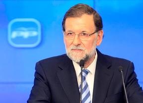 Rajoy 'capta' las críticas y dará la cara ante la prensa tras la debacle electoral del PP