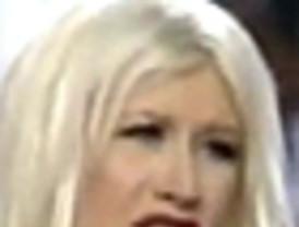 Pitada general a Cristina Aguilera por cambiar el himno nacional