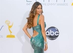 Las curvas de Sofia Vergara la dejan 'con el culo al aire' en los Emmy
