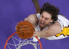Peor imposible para los Lakers, a pesar de las buenas actuaciones de Gasol: nueva derrota y colistas en su grupo