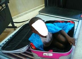 Un niño intenta entrar en Ceuta metido en una maleta
