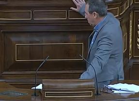 El diputado Joan Baldoví sufre un desvanecimiento cuando intervenía en el Debate del estado de la Nación