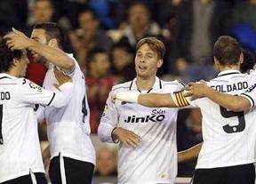 Jonás rescata al Valencia en el último suspiro (2-1)