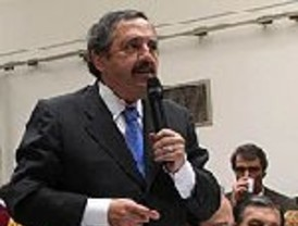 Alfonsín duda sobre la postulación de Cobos