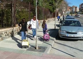 Protestan por el cierre de su escuela no llevando a sus hijos al nuevo colegio