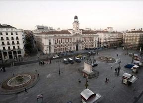 Los 'indignados' desalojaron Sol a primera hora de este lunes voluntariamente y sin incidentes