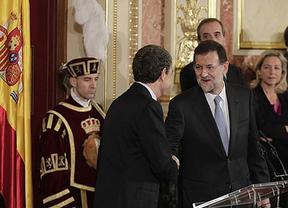 Rajoy y Zapatero, presidentes entrante y saliente, coinciden al menos en temas europeos
