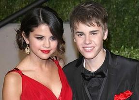 Justin Bieber y Selena Gomez muestran su cara más solidaria
