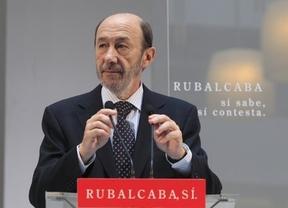 Rubalcaba: 'Al PP le gusta más el uranio radiactivo, a nosotros nos gusta más el aire y el sol'