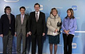 Rajoy 'pasa' del tema del ático de Ignacio González en su discurso de la cena navideña del PP de Madrid
