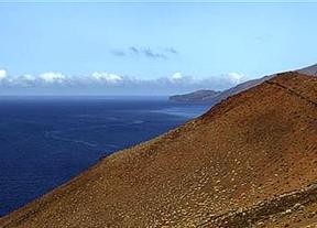 La eurupción en El Hierro continúa: los científicos ven magma a 25 km bajo el mar