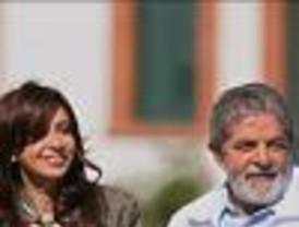 Antes de asumir la presidencia Cristina  visita a Lula para fortalecer el vínculo bilateral