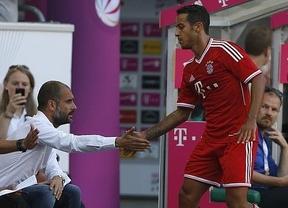 Guardiola y Thiago dan el primer golpe: el Bayern se impone fácil al Barça (2-0)