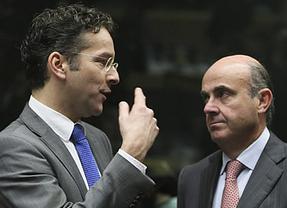 Dijsselbloem, que ocupa el puesto que quiere De Guindos al frente del Eurogrupo, nos exige más reformas laborales y fiscales