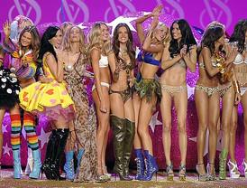 Los ángeles de Victoria's Secret despliegan sus alas en Nueva York
