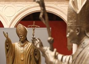 El polémico monumento de Juan Pablo II se inaugura este martes en Sevilla