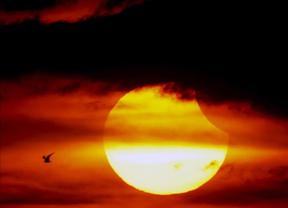 La NASA advierte de que una erupción solar que se dirige a la tierra puede crear una tormenta geomagnética