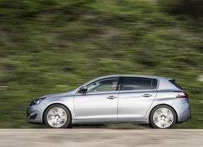 El Peugeot 308 actualiza sus ofertas de gasolina con un nuevo motor y caja automática de cambios