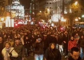 Miles de manifestantes se concentran por segundo día consecutivo para protestar por los supuestos sobresueldos del PP