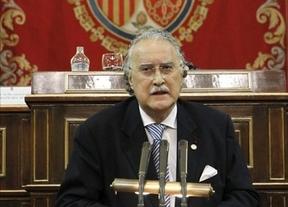 El alcalde de Bilbao, cobrando 21.000 euros más que Rajoy, dice que