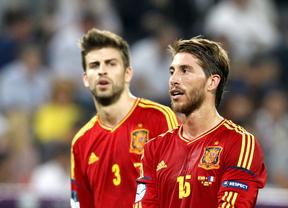 Piqué encuentra un aliado en el eterno rival: Ramos asegura que 'nadie duda' de su compromiso