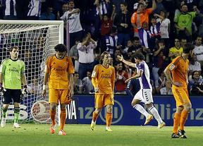 Noche negra para los blancos: el Madrid se duerme en Valladolid, se deja empatar, tira la Liga y Cristiano se lesiona