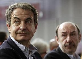 IU se queja de que Zapatero está intentando convencer al PSOE para un gran Gobierno de concentración tras 2015