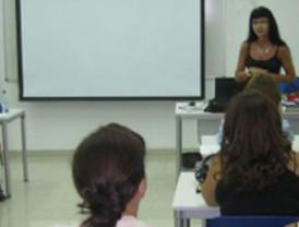 Un total de 40 personas en riesgo de exclusión social aprenden un oficio en talleres ocupacionales