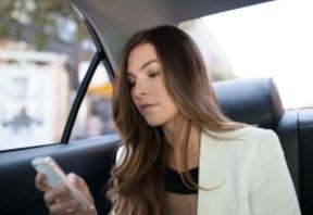 Uber se alía con los concesionarios de India para financiar la compra de coches