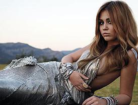 Miley Cyrus vuelve al escándalo por un posado en 'Marie Claire'