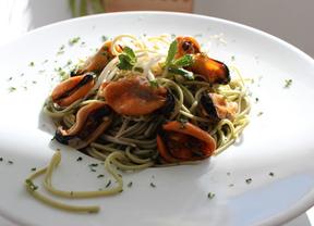 Las recetas de Fernando Limón para La Sopa Boba: Spaguetti de té verde con mejillones