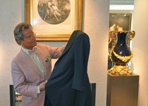 El maestro Javier de Juana revoluciona la Alta Costura internacional con 'Exquisuits'