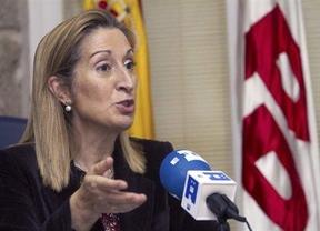 La ministra Ana Pastor viaja este lunes a Panamá para mediar en el conflicto de Sacyr
