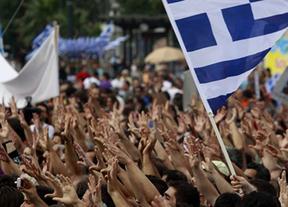 La 'troika' dice y Grecia hace: 15.000 funcionarios a la calle a cambio del rescate
