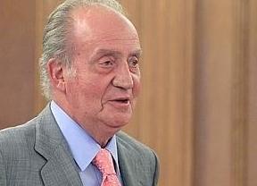 El Rey traslada un mensaje de apoyo en Santiago: 'Todos los españoles se unen al dolor de los familiares de las víctimas'