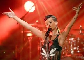 Rihanna, solidaria también en Navidad: dona 1,75 millones de dólares a la lucha contra el cáncer