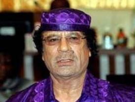 Gadafi dice que es el momento de abrir los arsenales y armar a los libios