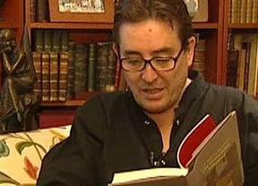 'No me cuentes tu vida': Luis García Montero analiza estos confusos tiempos en su nueva novela