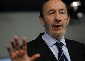 Rubalcaba propone a Rajoy ir a Europa con un pacto nacional... pero no 'colará'