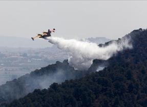 Dos helicópteros antiincendios se estrellan en Valencia