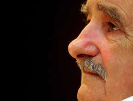 Mujica enfrenta la quinta huelga en reclamo de mejores salarios