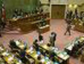 Ramos Allup plantea pedir la renuncia de Chávez por