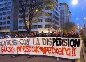 ETA pone sus condiciones: no hay disolución mientras queden presos en las cárceles
