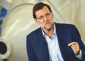 Rajoy no se echa agua por encima pero donará dinero a los afectados por el ELA