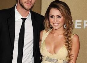 Miley Cyrus defiende sus pechos, que no serían operados: 'Estas pequeñas son todas mías'