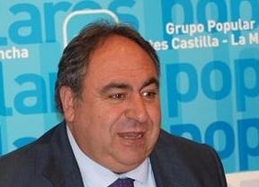 Tirado, dispuesto a rebajar las ayudas a los grupos políticos en las Cortes