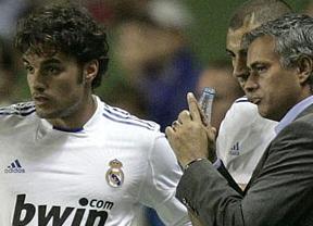 Pedro León se venga (poco) de su exjefe Mourinho y le llama