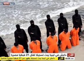 Estado Islámico ejecuta a 21 cristianos egipcios de nuevo de manera cruel y sangrienta